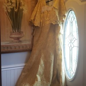 Dresses & Skirts - African Ladies Gown with scarf